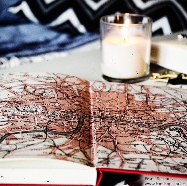 Die Weihnachtsgeschichte von Charles Dickens mit Stadtplan von London